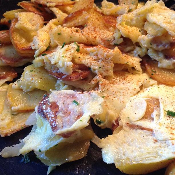 Abendbrot! (Bratkartoffeln mit Rührei) #foodporn - via Instagram