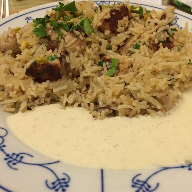 Wieder lecker gekocht, weil wieder Fressbox gekriegt: Marokkanisches Reis Pilaf mit Hähnchen in Joghurt-Zitronenmarinade <a rel=