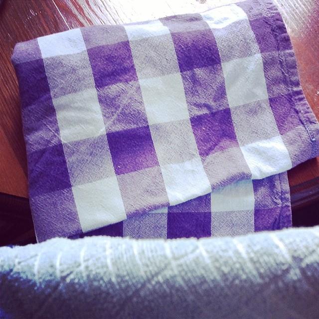Ich hoffe doch mal, Ihr wisst alle, wo euer Handtuch ist! Und Wählen gehen nicht vergessen. #towelday - via Instagram