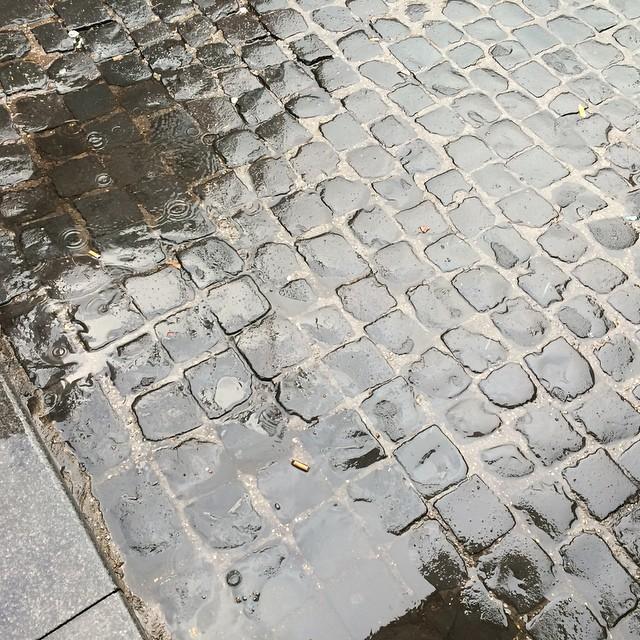 Regenwahrscheinlichkeit 20% #rome - via Instagram