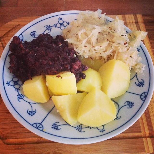 Lose Wurst ist auch so ein Gericht für wenn man eigentlich zu faul zum Kochen ist... <a href='https://www.senselesswisdom.net/tag/foodporn/' rel='tag'>#foodporn</a> - via Instagram
