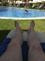 Schattiges Plätzchen am Pool inklusive