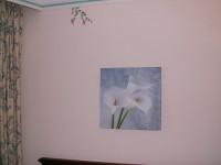 Geschmackvolle Kunst schmückt die Wand...