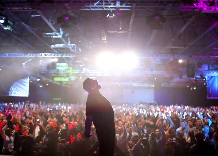 tony-robbins-i-am-not-your-guru