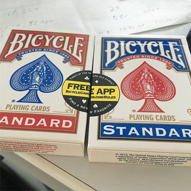 Habe mir ein paar Spielkarten besorgt, ob ich damit ein paar Kartentricks hinkriege?? - via Instagram
