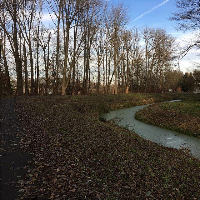 Vor dem Vortrag nochmal an der Havel spazieren gehen kann man auch nicht überall 🙂 - via Instagram