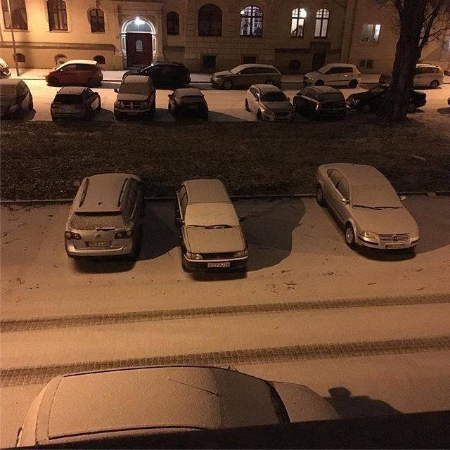 Und ein ganz klein wenig Schnee gibts auch ️ - via Instagram