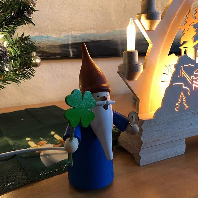 Lucky Gnomes...  Ohne Räucherkerzen ist nicht richtig Weihnachten! - via Instagram