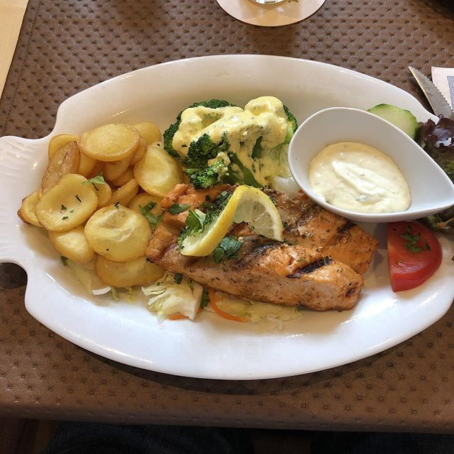 Lachs vom Grill #foodporn #friday - via Instagram