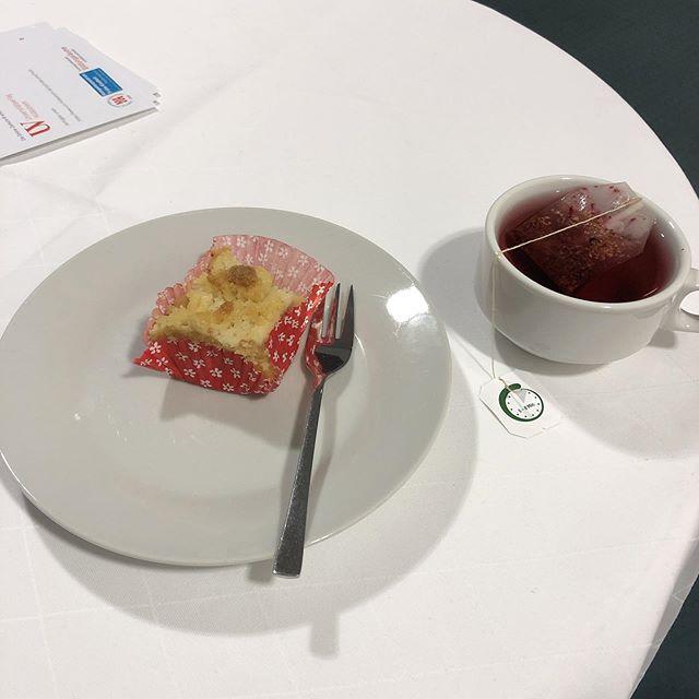 Kuchenversorgung ist schon gut bei #goingpublic2019 mit @dancorni - via Instagram