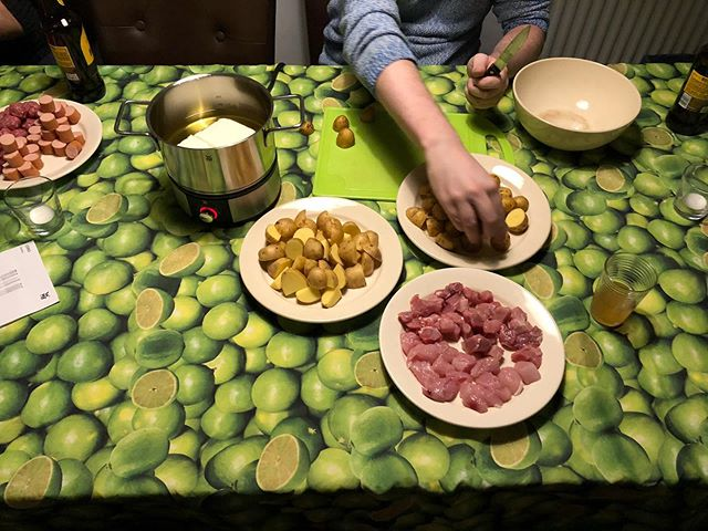 Vorbereitungen für Fondue <a rel=